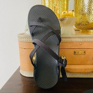 CHACO tegu all black slip on sport sandals 9